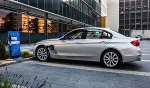BMW poursuivi pour avoir copié des brevets sur l'hybride