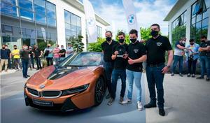 Un CFA de Bretagne reçoit une BMW i8