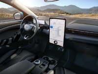 L'automobile et la guerre des pixels et des écrans
