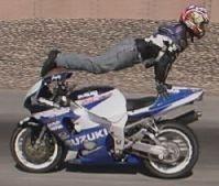 Vidéo moto : débutant cascadeur.