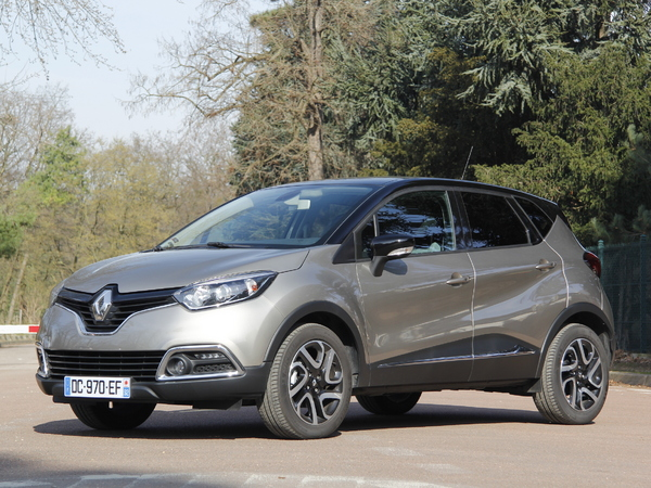 essai renault captur 1 2 tce 120 intens edc on reuses. Black Bedroom Furniture Sets. Home Design Ideas