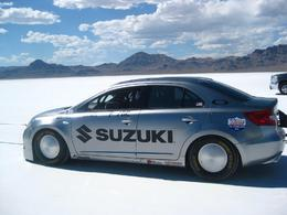 327 km/h en Suzuki Kizashi: possible!