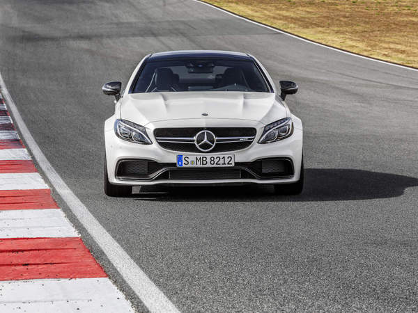 Salon de Francfort 2015 : Mercedes officialise la C63 AMG coupé