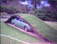 Un conducteur s'endort... et pénètre dans un jardin !