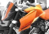 """KTM 990 SuperDuke : Le """"Space Moutain"""" Autrichien"""