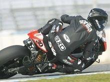 Superbike - Aprilia: Sylvain Guintoli a roulé la RSV4 officielle