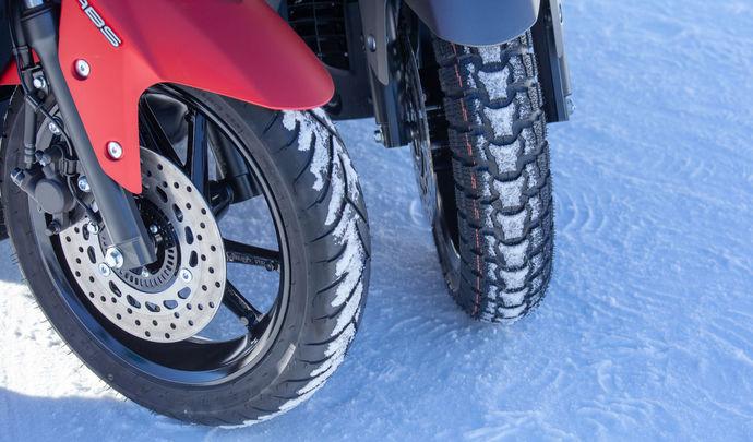 Faut-il monter des pneus hiver sur les scooters?