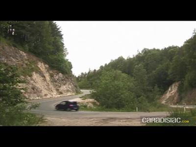Renault Twingo 2 : une succession trop lourde ?