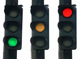 Etude en Belgique : les feux de signalisation mal synchronisés engendrent une hausse significative des rejets polluants