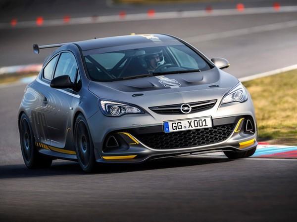 L'Opel Astra OPC EXTREME fait la belle en vidéo