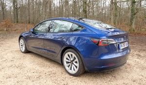 Marché européen: la Tesla Model 3 talonne la Volkswagen Golf