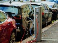 Les constructeurs pourraient supprimer 80 000 emplois dans le monde pour la voiture électrique