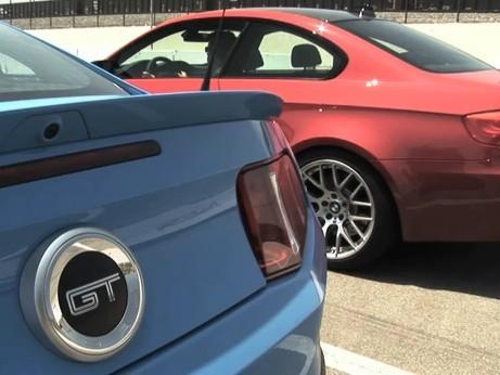 [Vidéo] BMW M3 contre Ford Mustang GT, la rigueur face à la fougue
