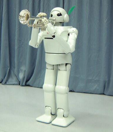 3 robots humanoïdes signés Toyota
