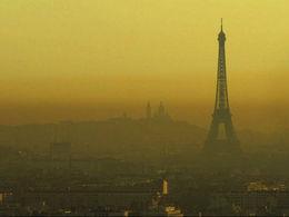 Pollution : le gouvernement impose la circulation alternée lundi à Paris