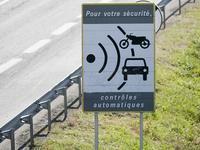 En Indre-et-Loire on enlève des panneaux signalant les radars fixes