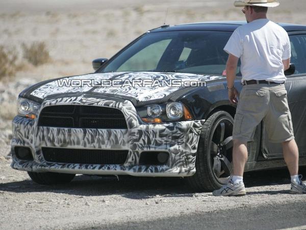 Spyshot : future Dodge Charger SRT-8