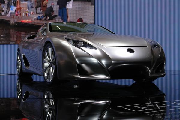 Lexus LF-A: pourquoi n'est elle pas là ?