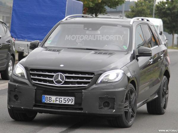 Le futur Mercedes M63 AMG se découvre