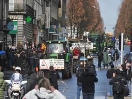 Manifestation des tracteurs dans Paris : le point à midi