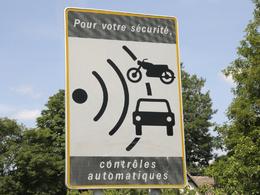 Nouveau record pour les radars : une recette annoncée de 713 millions d'euros en 2013