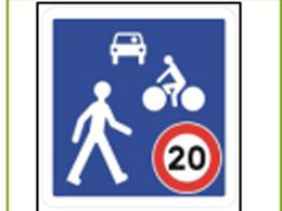 En France, les vélos peuvent rouler à double sens dans les zones 30 et zones de rencontre