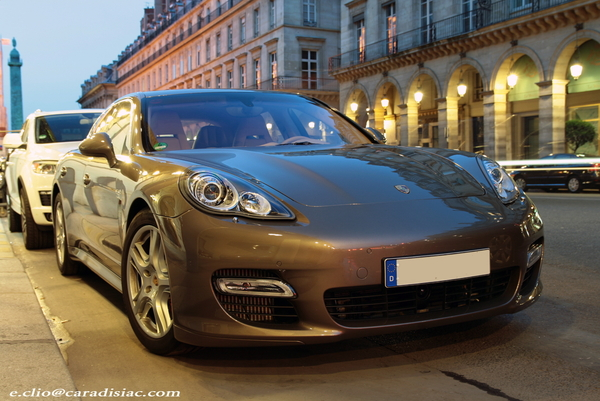 Photos du jour : Porsche Panamera Turbo