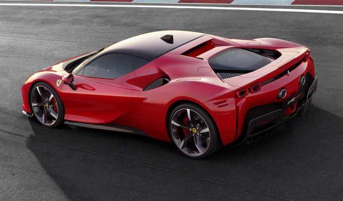 Ferrari SF90 Stradale : un tarif de base sous les 500 000 €