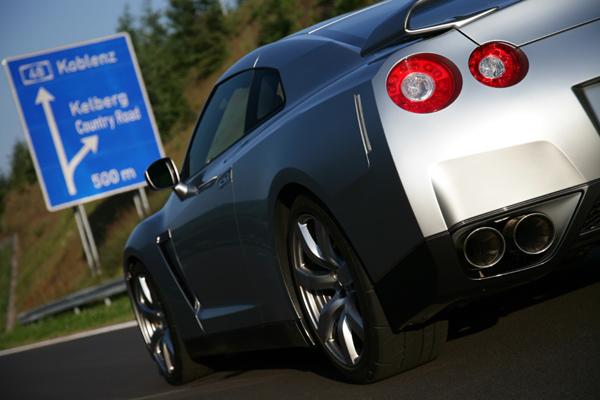2300 commandes pour la Nissan GT-R