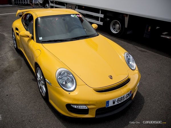 Photos du jour : Porsche 911 997 GT2 (Sport & Collection)