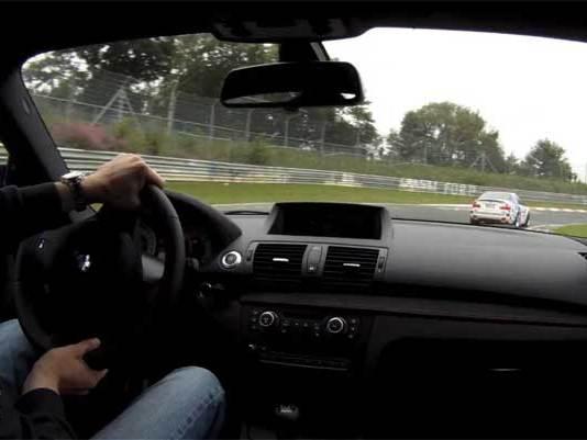 [vidéo] Ring Folies : quand une BMW 1M part à la chasse à la M3 CSL