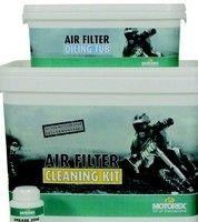 Motorex entretient vos filtres à air tout en respectant l'environnement avec son Air filter Cleaning Kit.