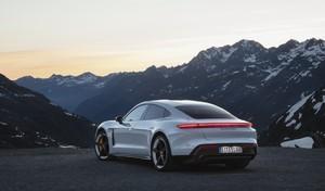 Porsche Taycan : 30000 précommandes avec acompte de 2500 €