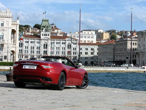[vidéo] La Maserati Gran Cabrio Sport dans toute sa splendeur