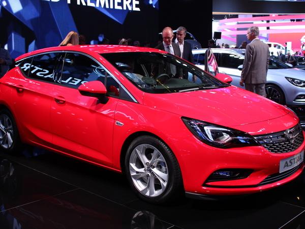 Opel Astra 5 :  star en devenir - Vidéo en direct de Francfort 2015
