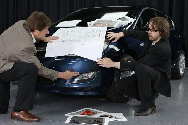 Future Opel Astra : malgré les fuites, on tease