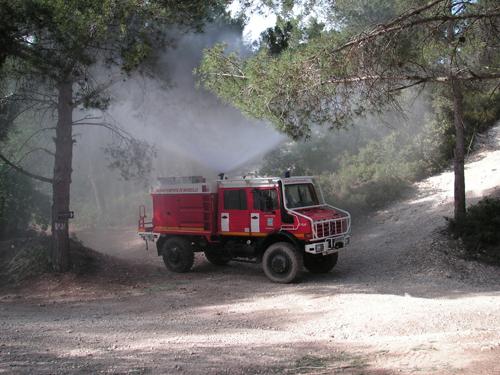 Essai vidéo - A bord d'un camion de pompiers avec les Mercedes Unimog