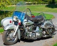 Vente aux enchères d'une trentaine de motos anciennes le 17 octobre 2010 à Fontainebleau.