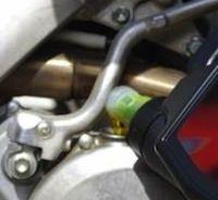 Huile moteur: déchiffrer les indications de votre bidon