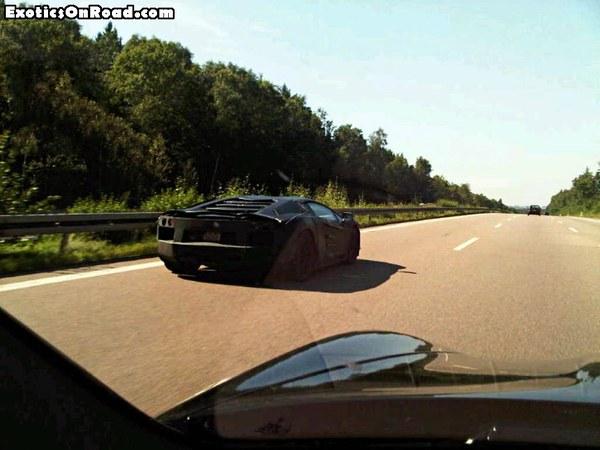 Spyshot : la prochaine grande Lamborghini toujours en balade