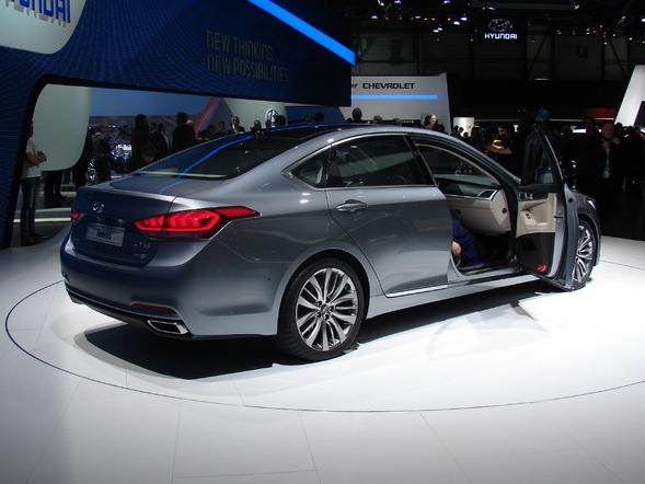 Hyundai récompensé pour le design de ses i10 et Genesis