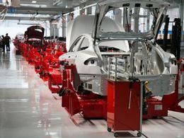 Tesla creuse ses pertes mais augmente la production