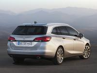 Salon de Francfort 2015 - Opel Astra Sports Tourer : étirée