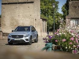 Mercedes dépasse Audi dans le premium et se rapproche de BMW