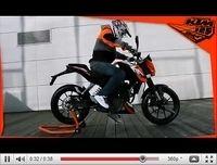 KTM 125 Duke 2011 : Elle se la joue caméléon... [vidéo]