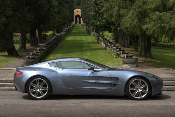 Aston Martin One-77 : nouvelles photos HD