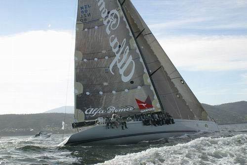 Alfa Romeo remporte la Sydney-Hobart 2002