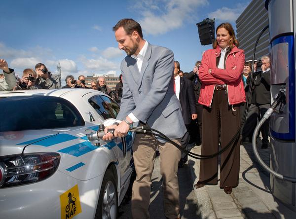 Mazda dévoile le 1er RX-8 Hydrogen RE