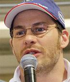 Jacques Villeneuve : du volant à la guitare et au chant