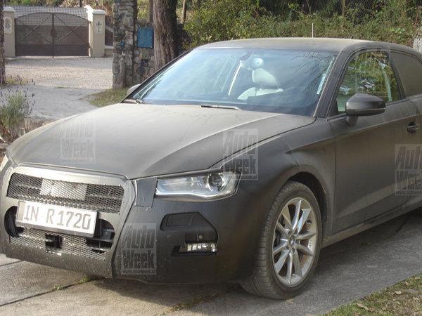 La future Audi A3 se promène...